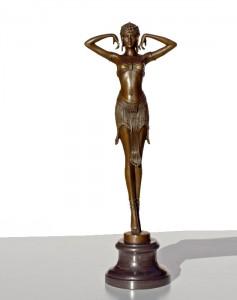 Art.-Nr.: RS-462 Maße(HxBxT): 48x18x12 cm Gewicht: 2 kg Euro inkl. MWSt: 175,00