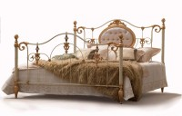 - Luxus Design Betten - Betten - Modell - Chateau - Metall-Bett - Luxus Betten -