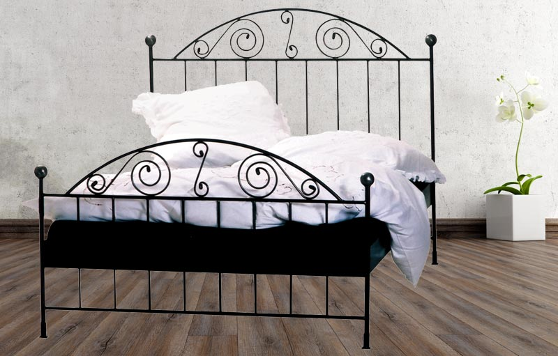 franz sisches landhausbett messingbett rita sibbe. Black Bedroom Furniture Sets. Home Design Ideas